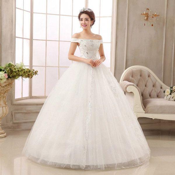 9X Wedding có rất nhiều mẫu áo cưới cho các nàng dâu thỏa sức lựa chọn
