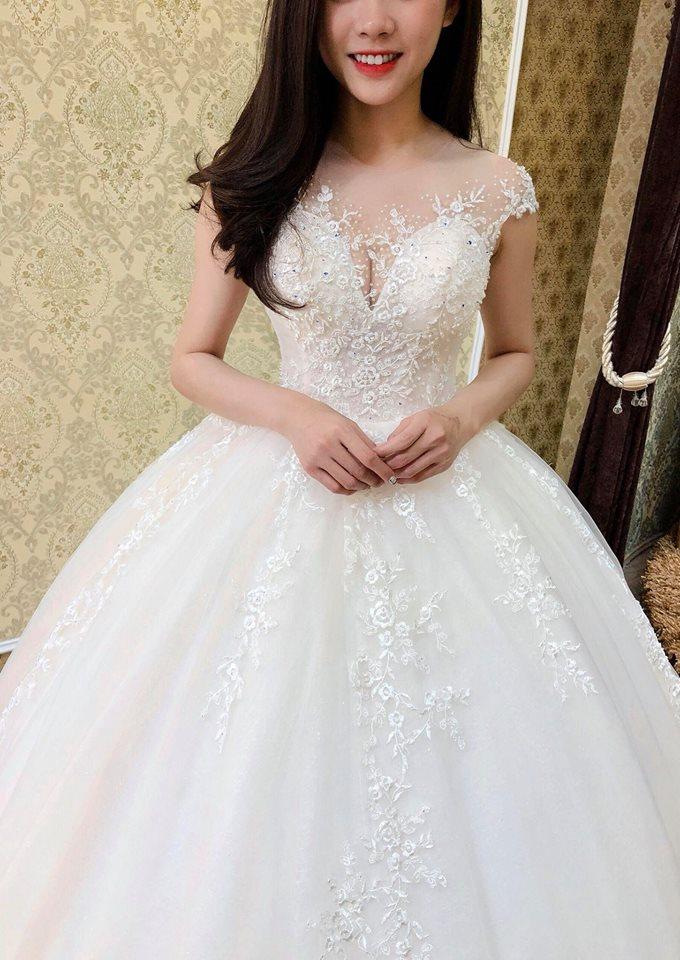 cô dâu gầy hóa xinh trong ngày cưới nhờ biết chọn mẫu váy
