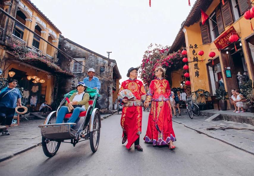 Một số kinh nghiệm thú vị khi chụp ảnh áo khỏa Trung Quốc giúp bạn có cho mình những tấm hình cưới đẹp lạ.