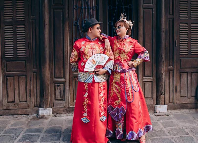 Đối với những người Trung Quốc họ quan niệm rằng màu đỏ chính là màu của may mắn và tốt lành.