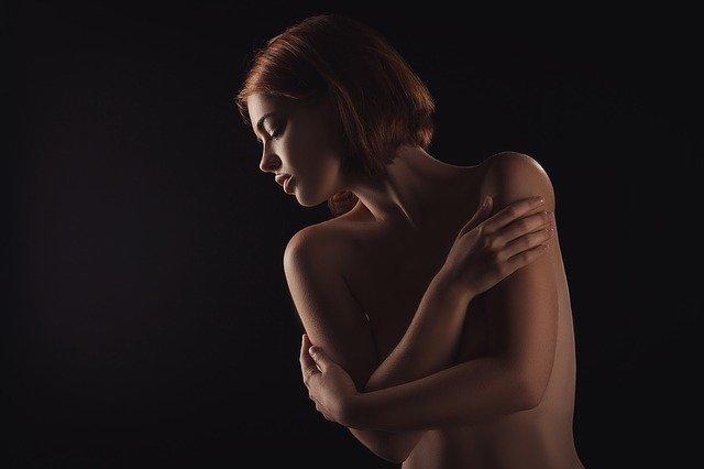 Ảnh nude nghệ thuật được yêu thích bởi nhiều người, trong đó đa phần là chị em phái đẹp