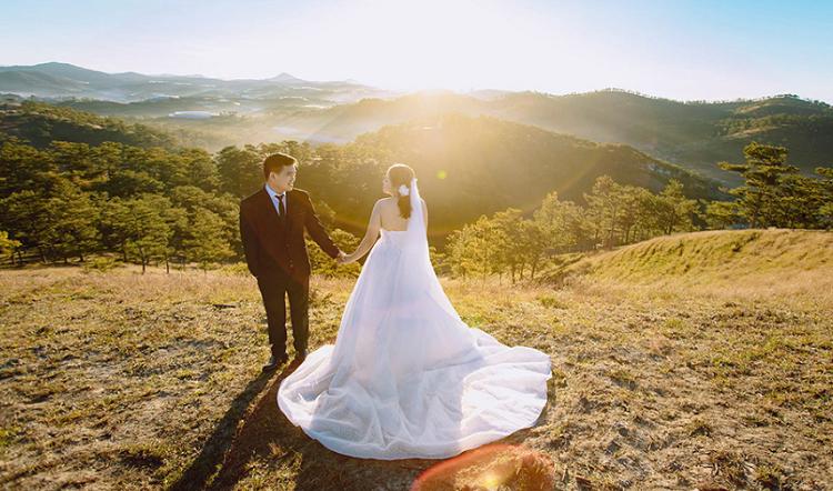 Nên chọn váy cưới tùy theo bối cảnh
