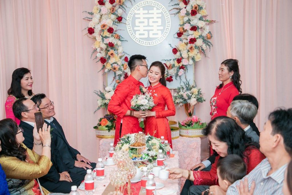 Áo dài lễ cưới, ăn hỏi